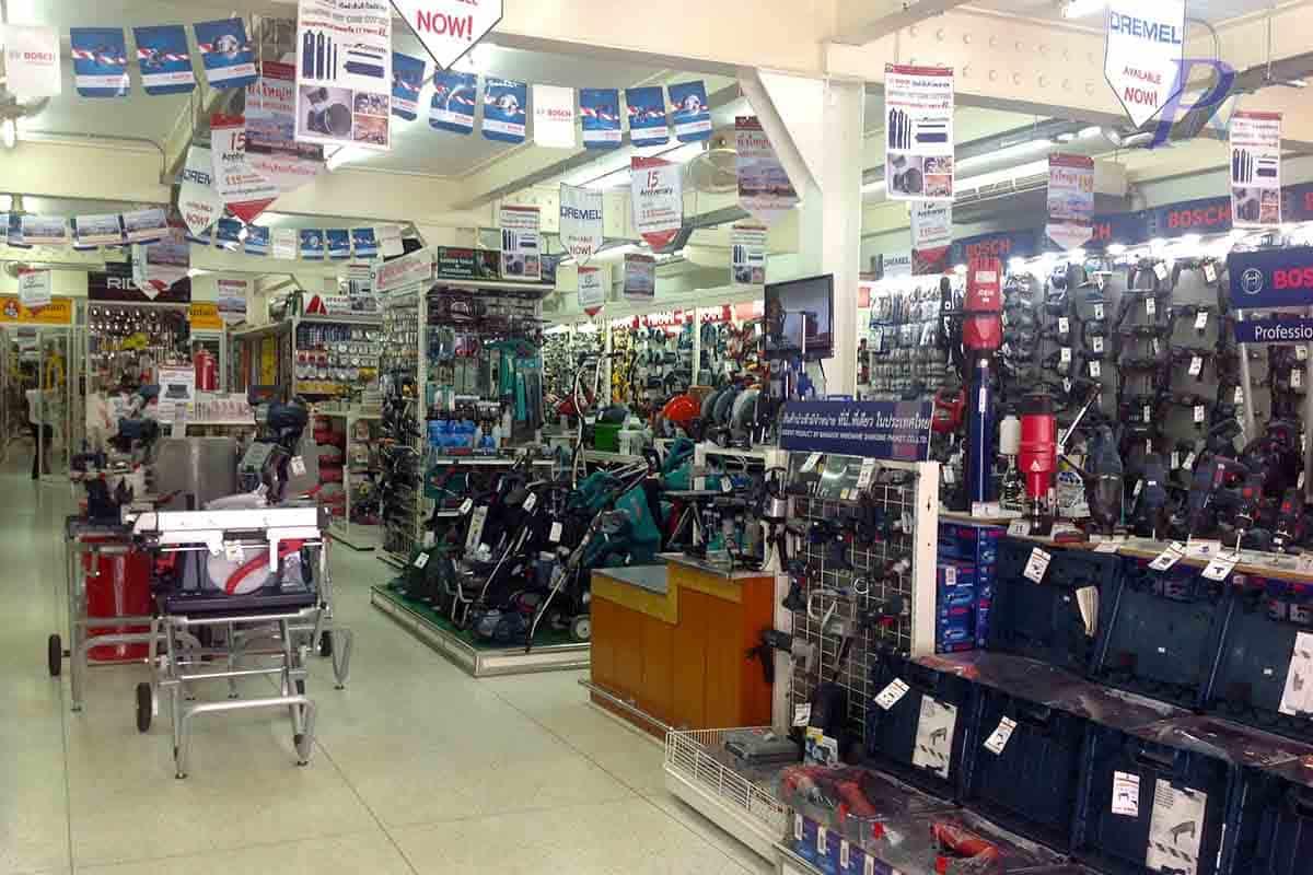 เชลฟ์วางสินค้าร้านกรุงเทพฮาร์ดแวร์