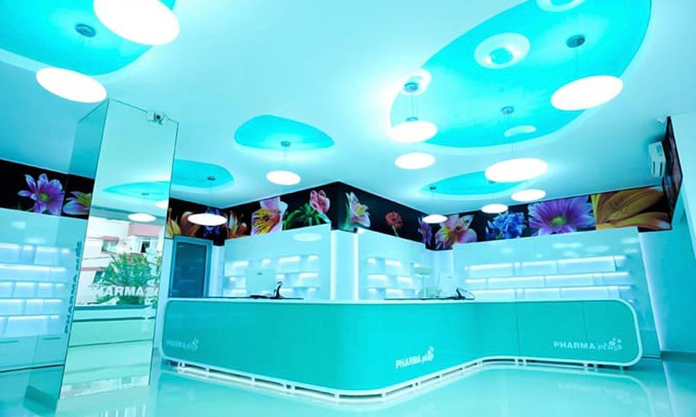 แบบร้านขายยา Pharma Plus โทนสีเขียวน้ำทะเล