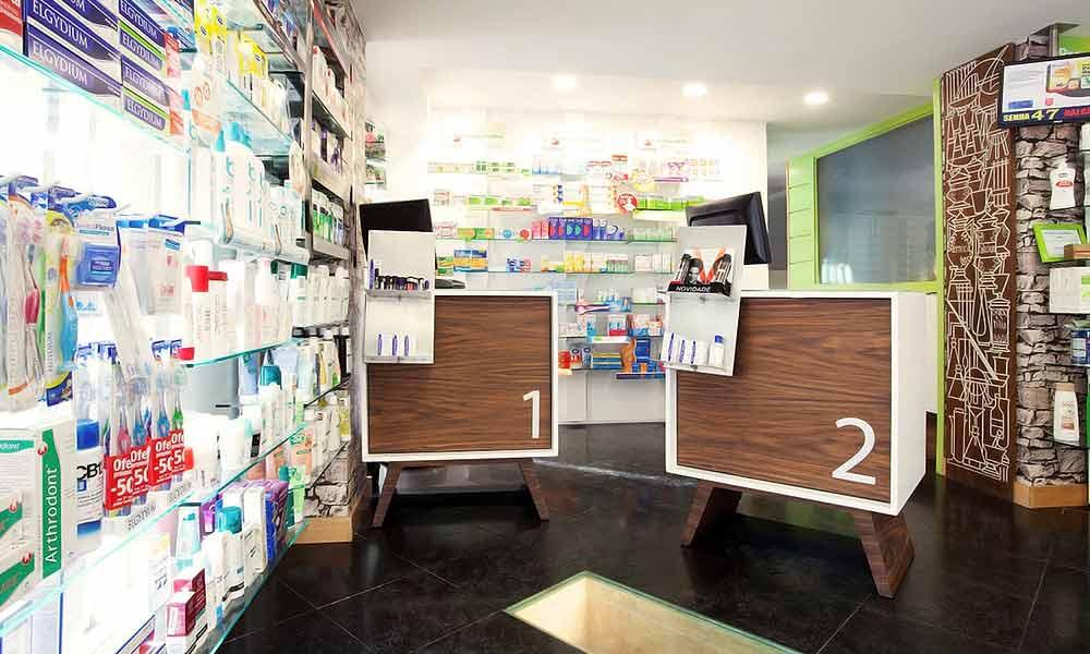 แบบร้านขายยา Aisir ภายในร้าน