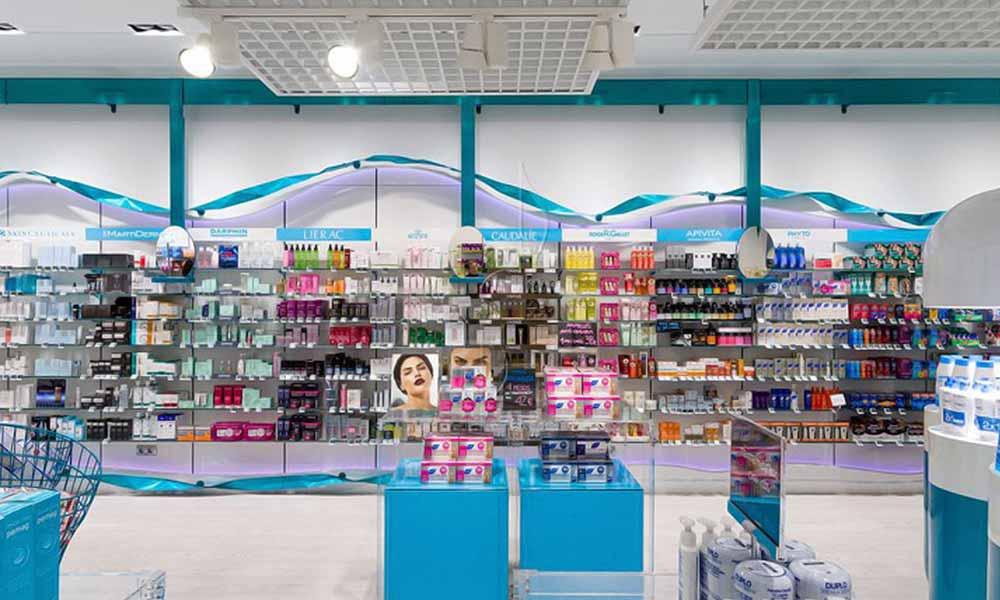 ภาพรวมแบบร้านขายยา Garrós Pharmacy