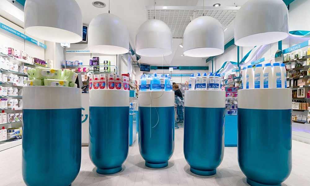 การออกแบบร้านขายยา Garrós ด้วยแคปซูลยา