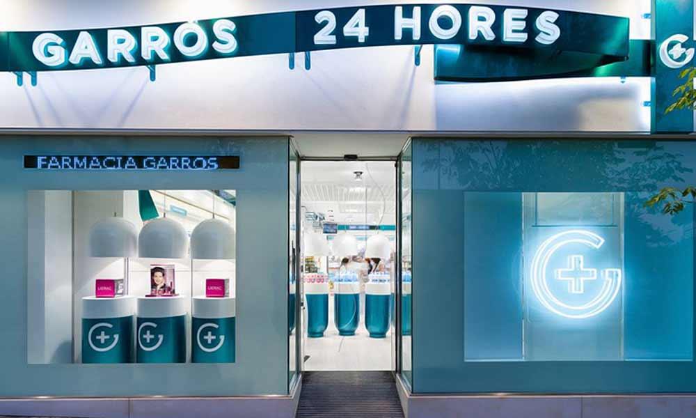 แบบหน้าร้านขายยา Garrós Pharmacy
