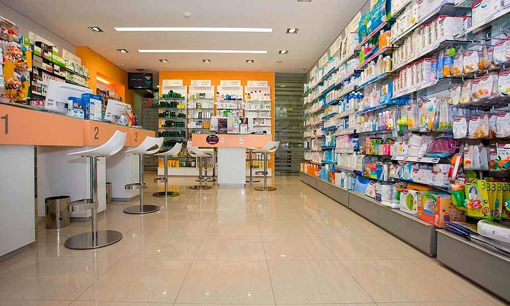 ภายในแบบร้านขายยา Farmácia Miguens