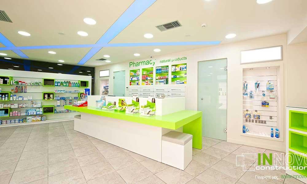 การออกแบบร้านขายยาด้วยเพดานเปลี่ยนสี