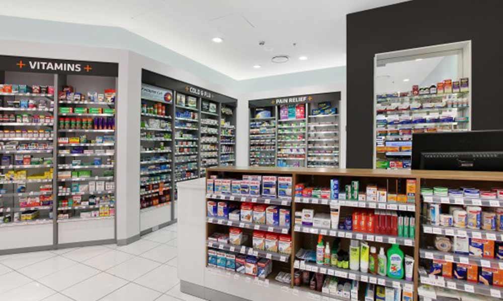 ข้างในร้านขายยา T3 Pharmacy