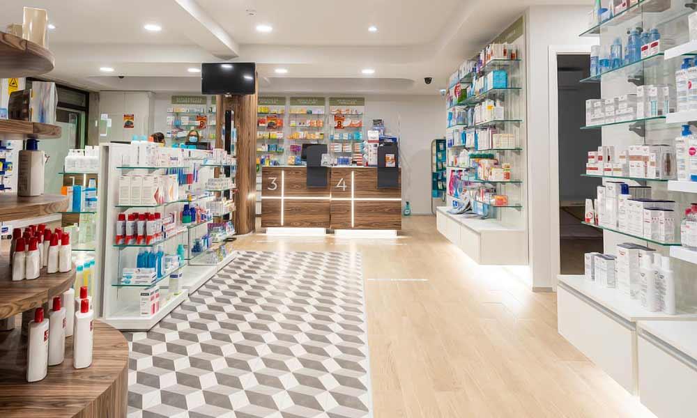 การออกแบบร้านขายยา Farmácia Zeller