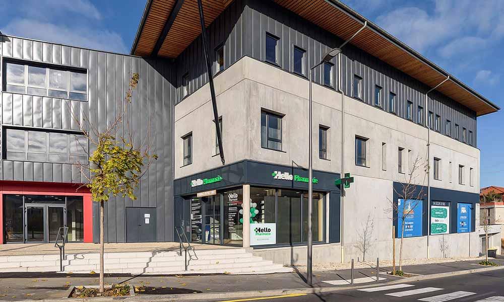 แบบร้านขายยา Pharmacie Du Pole sante หน้าร้าน